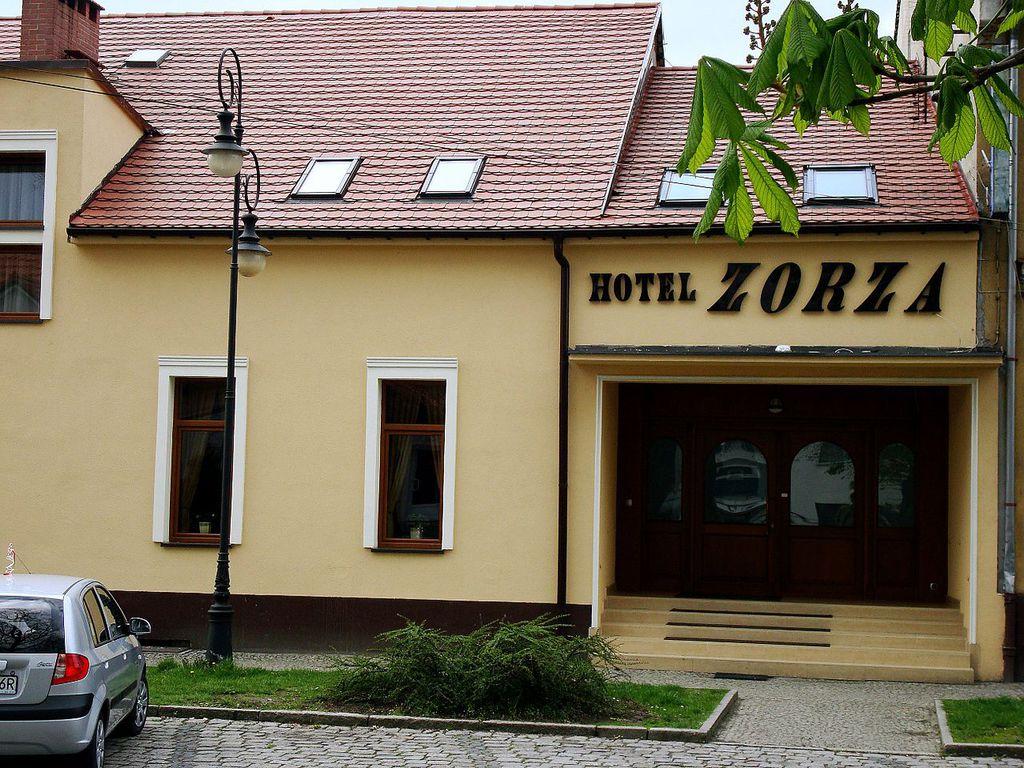 Namysłów,_Hotel_Zorza.jpeg
