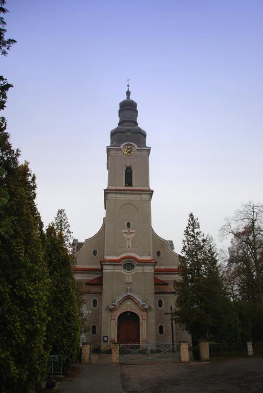 kościół Pokój.jpeg