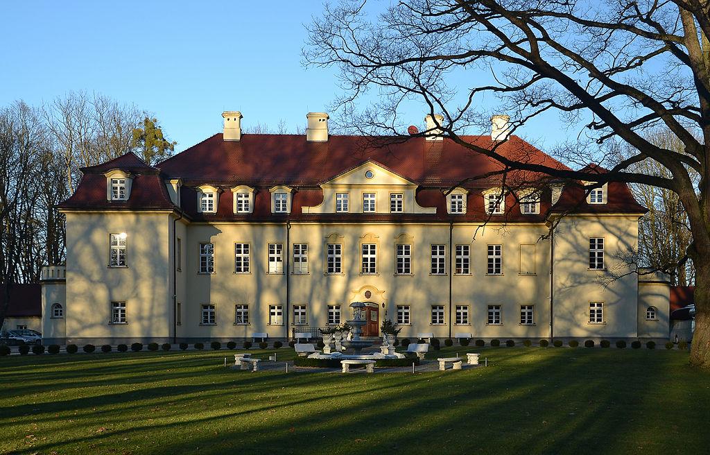 Izbicko_-_Stubendorf_-_palace.jpeg