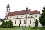 Kościół św. Jadwigi Śląskiej w Chróścicach.jpeg
