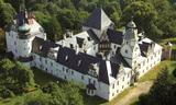 Dąbrowa niemodlińska zamek.jpeg